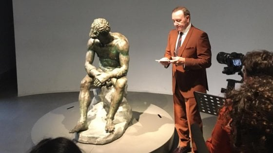 """Kevin Spacey riappare a Roma. E recita il """"Pugile a riposo"""" a sorpresa"""