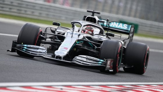 F1, Gp Ungheria: Hamilton davanti a Verstappen e Vettel nelle terze libere