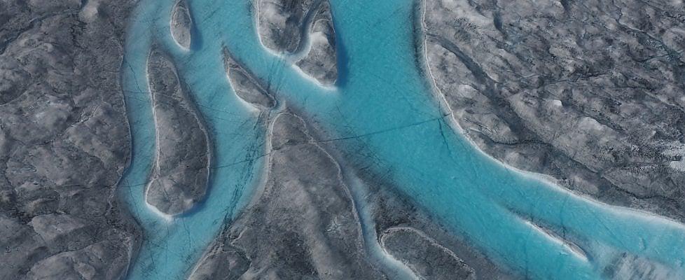 Groenlandia, fiumi d'acqua scorrono sul permafrost: ghiaccio si scioglie a velocità record
