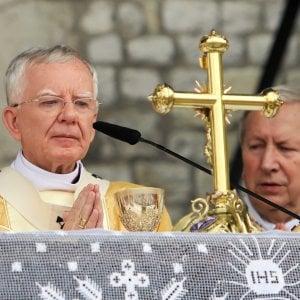 """Polonia, l'arcivescovo di Cracovia: """"La comunità Lgbt è come un'epidemia e la piaga rossa"""""""