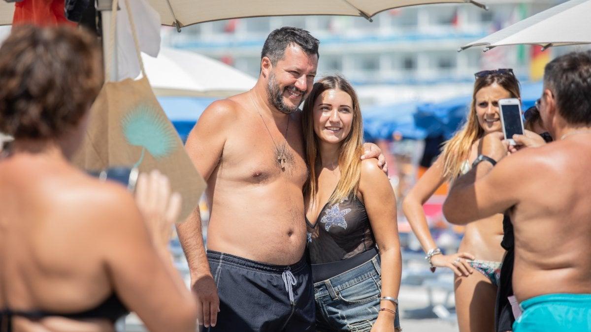 Salvini, un'estate da campagna elettorale: beach tour di ...