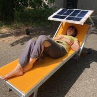 Così lo smartphone si ricarica al sole: il prototipo italiano a impatto zero