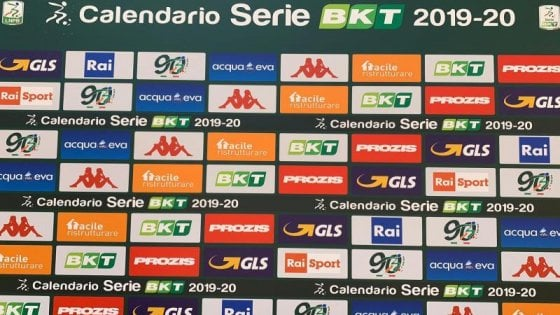 Calendario Serie A 15 Ottobre.Serie B Il Calendario Si Parte Con Pisa Benevento E Il
