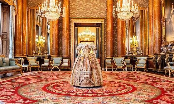 Londra. L'omaggio di Elisabetta a Vittoria: una mostra svela il Buckingham Palace mai visto