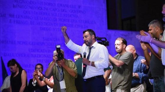 """Caos governo, Salvini a Sabaudia: """"La Lega non vuole poltrone, ma qualcosa si è rotto nella maggioranza"""""""