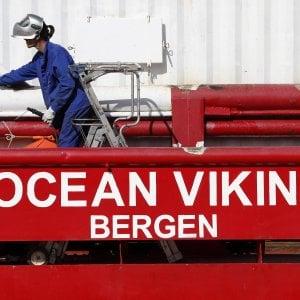 """La denuncia di Ocean Viking: """"Malta non ci dà il carburante"""""""