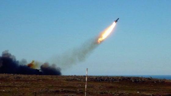Russia: incendio in una base militare, due morti