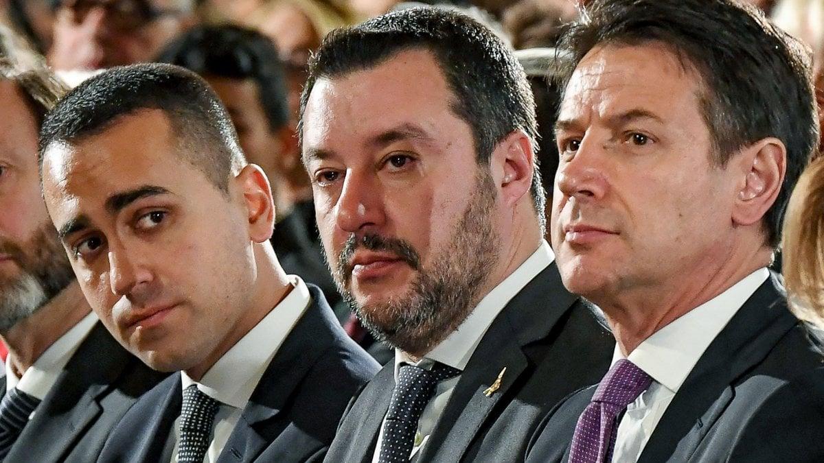 """Governo,  Lega: """"Ora il voto"""". Conte da Mattarella. Vertice fra il premier e Salvini. Anche Di Maio a Palazzo Chigi. Fico al Quirinale /Livetweet"""