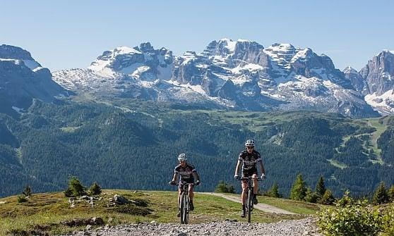 Val di Sole, in quota il futuro delle vacanze è su due ruote