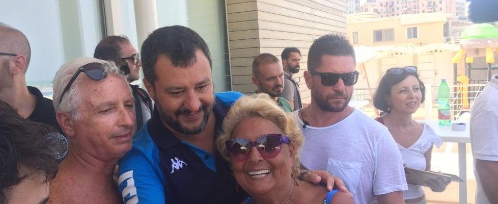 """Crisi di governo, Salvini promette: """"Il prossimo governo farà la flat tax. E se l'Europa dice no, la faremo stesso"""""""