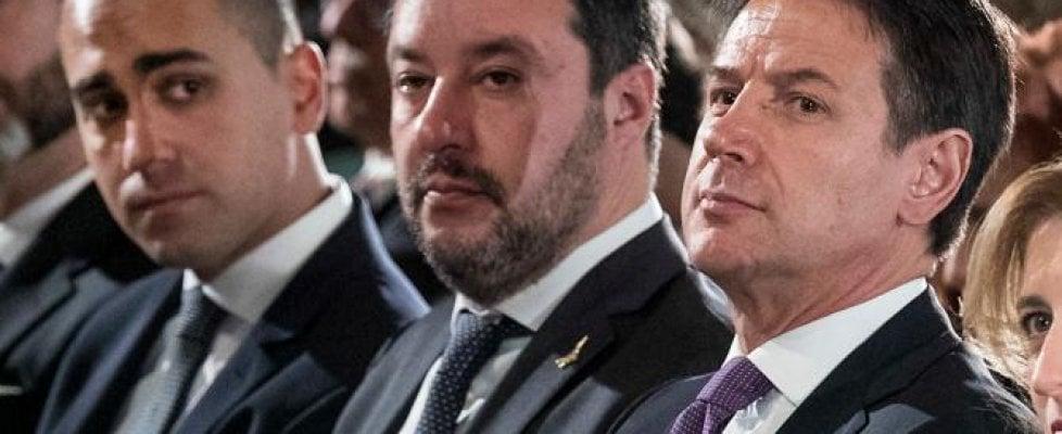 """Governo, Salvini ha fretta: """"In aula prima di Ferragosto"""".  Grillo torna in campo e Fico bacchetta il leader leghista. Renzi, a sorpresa, apre a un governo di scopo"""