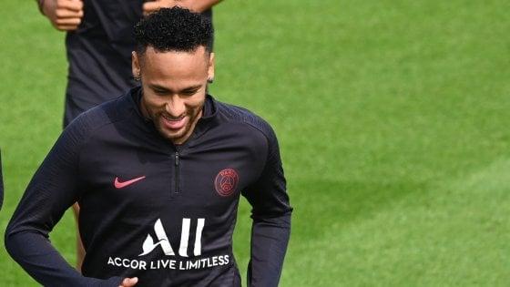 Psg, Neymar non convocato per la prima. Leonardo: ''Trattativa in corso''