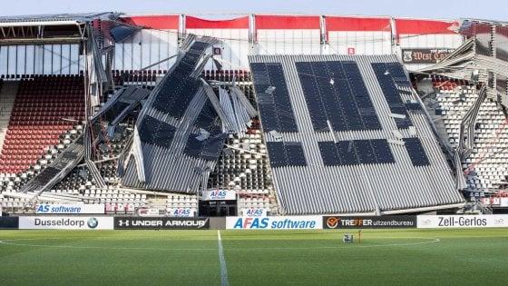 Olanda: tragedia sfiorata, crolla tetto dello stadio dell'Az Alkmaar