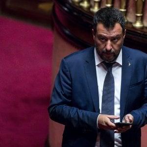 Salvini punta il reddito di cittadinanza: Ripensarlo se non crea lavoro