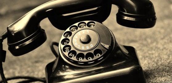 Telefoni, bolletta più chiara. Ma stop al doppio conto che aiuta con i servizi a sovrapprezzo