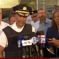 Sparatoria a Philadelphia: feriti 6 agenti di polizia in un'operazione antidroga