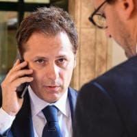 """M5S: """"Salvini stacca la spina per bloccare le indagini su Siri"""". La replica: """"Il mio pc a..."""