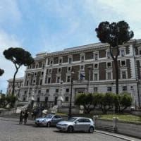 Italia, meno delitti ma più morti sulle strade. Calano gli sbarchi ma diminuiscono anche i...