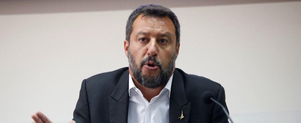 """Salvini a Conte: """"Se sono sleale, me lo dica in faccia"""". Ma lancia segnali ai 5S: """"Il mio telefono è sempre acceso, servono ministri del sì"""""""