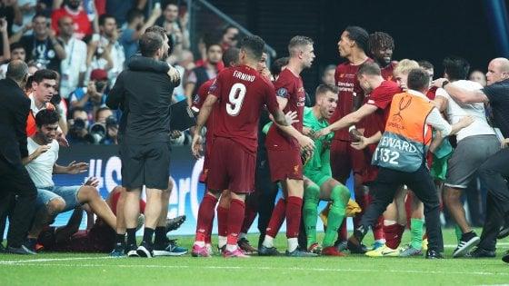Liverpool, emergenza portieri: Adrian ko per colpa di un tifoso, può debuttare Lonergan