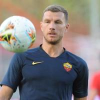 Roma, colpo di scena: Dzeko non parte più, contratto per altri due anni