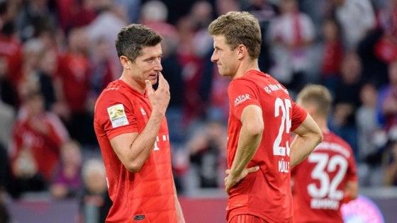 Bundesliga: Lewandowski riprende l'Hertha, pari all'esordio per il Bayern Monaco