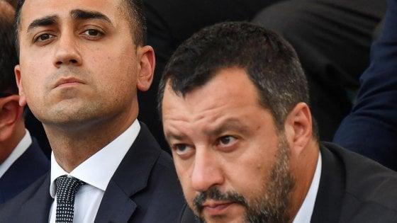 """Crisi, M5s di nuovo all'attacco: """"Salvini ministro? Può solo dimettersi"""". Il blog delle Stelle: """"Si è fregato da solo"""""""