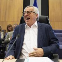 Jean-Claude Juncker interrompe le vacanze per un intervento chirurgico