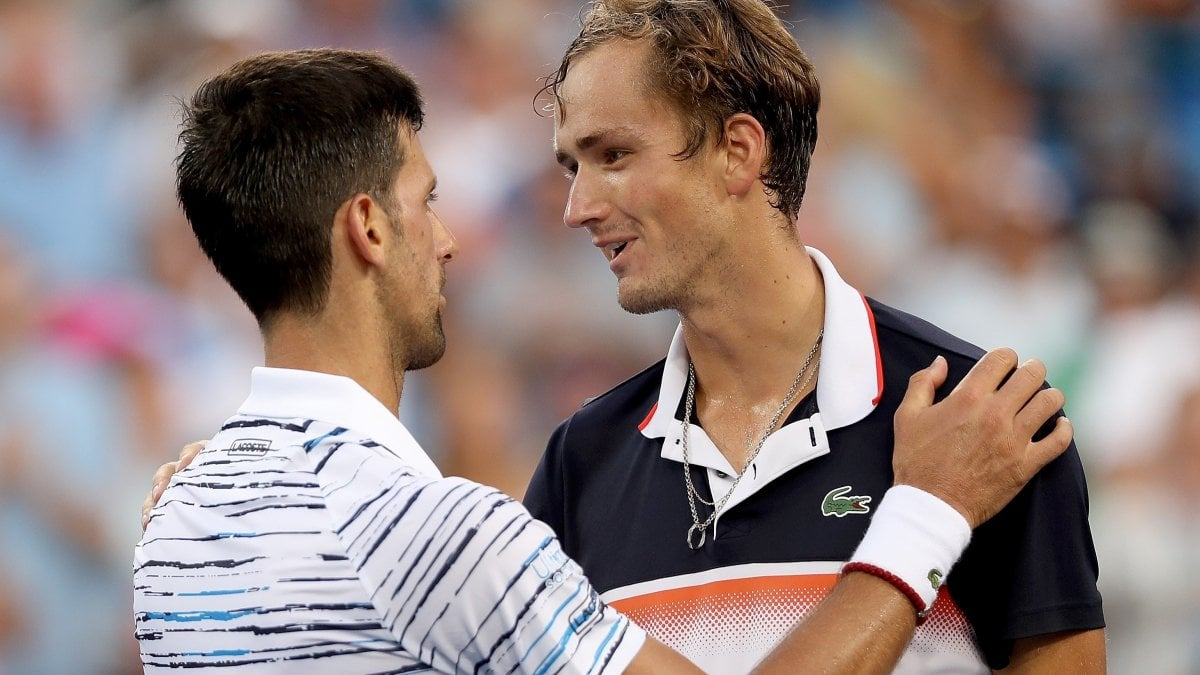 Tennis, sorpresa a Cincinnati: Medvedev batte Djokovic e va in finale