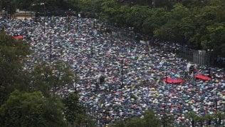 Hong Kong, oltre un milione in piazza sfidando il monsone