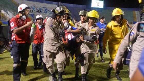 Scontri e spari a Tegucigalpa, quattro morti per il derby Olimpia-Motagua