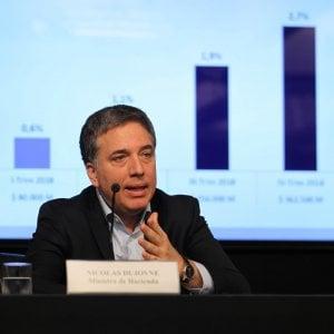Argentina, si dimette il ministro del Tesoro Nicolas Dujovne