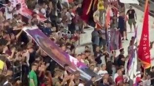 """L'omaggio dei tifosi a Nadia Toffa: """"Siamo pazzi di te"""""""