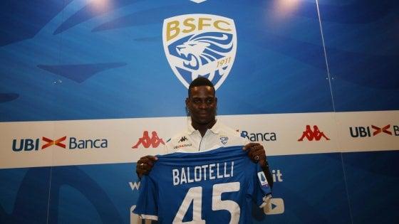 """Brescia, Balotelli si presenta: """"Razzismo? Spero in Italia le cose siano migliorate"""""""