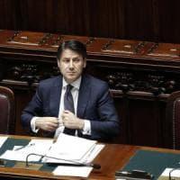 """Crisi di governo, il giorno di Conte al Senato. Salvini: """"Governo tutti dentro 'contro'..."""