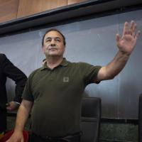 """Roberto Saviano: """"Mimmo Lucano ha il diritto di riabbracciare il padre in fin di vita"""""""