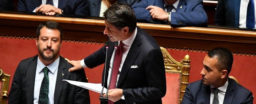 """Crisi di governo, le dimissioni di Conte: """"Il governo finisce qui, Salvini ha seguito interessi personali e di partito"""". Poi sale al Quirinale"""