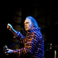 Neil Young, l'autunno sta arrivando e con lui il nuovo album: 'Colorado'