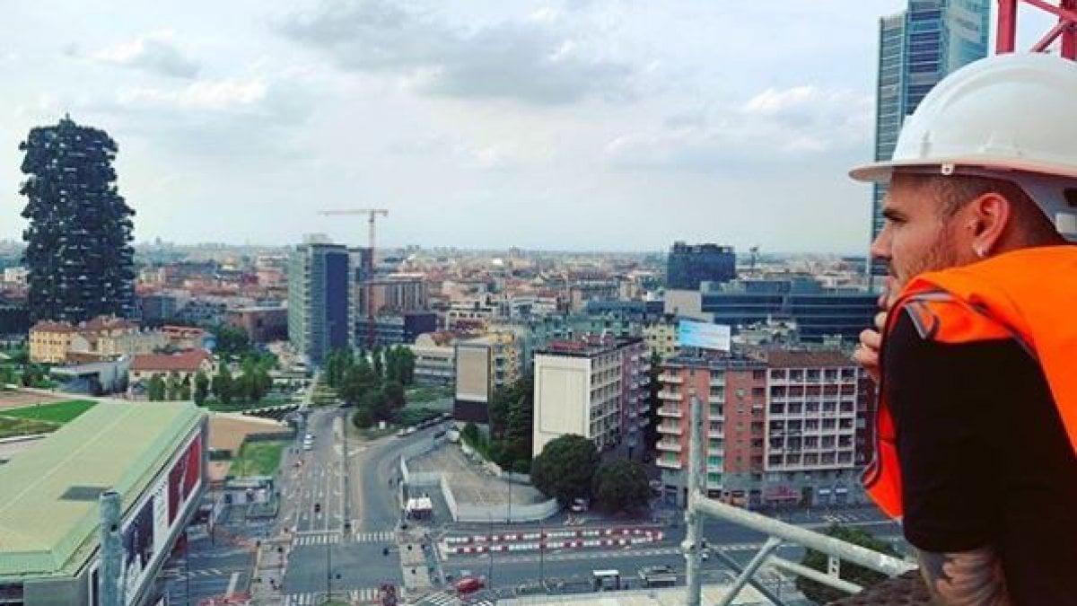 Inter, Icardi mostra la sua nuova casa a Milano. E l'addio si allontana