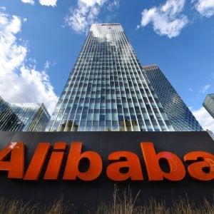 Proteste a Hong Kong, Alibaba fa slittare la maxi Ipo