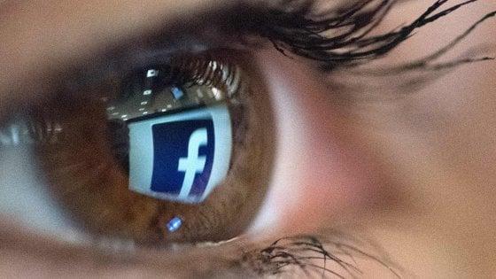 """""""La tua attività fuori da Facebook"""", la nuova funzione per gestire la privacy sul social"""