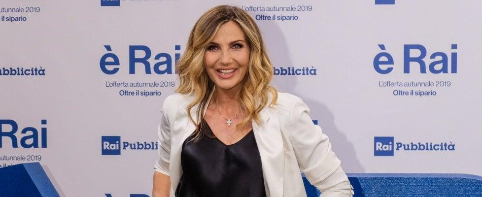 Lorella Cuccarini, il suo 'Grand Tour' chiude: il programma di Rai 1 fa numeri troppo bassi