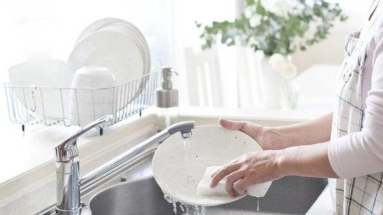 L'intelligenza artificiale ora impara a lavare i piatti
