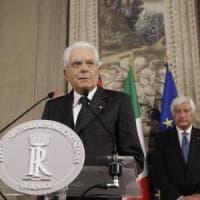 """Mattarella: """"La crisi va risolta in tempi brevi. Servono decisioni chiare"""". Martedì nuove..."""