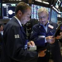 Borse positive in attesa di Powell, spread in calo