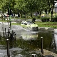 Allerta meteo nel weekend: piogge e temporali su mezza Italia