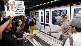 Residente segnala il pericolo borseggi nel metrò
