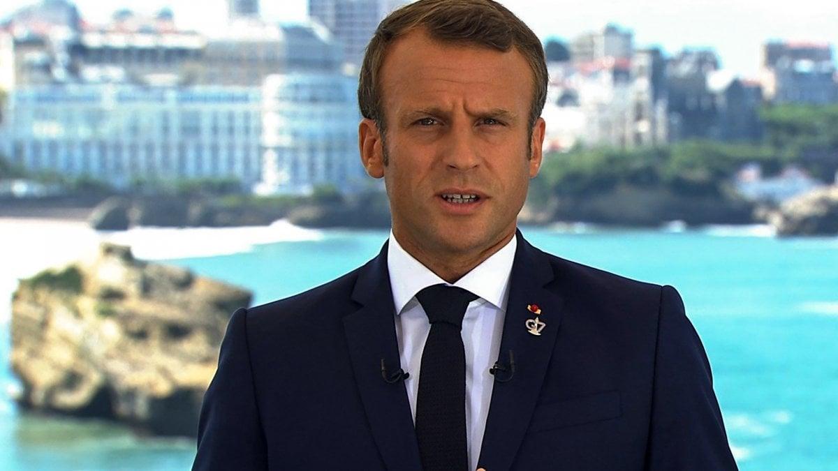 """G7 Biarritz, Macron: """"Affrontiamo insieme le sfide globali"""". Il Wwf a Conte: """"Serve una presa di posizione"""""""