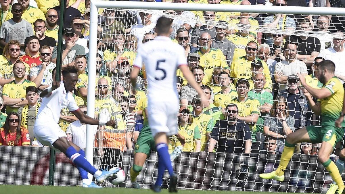 Inghilterra: scivolone United, il Liverpool piega l'Arsenal. Prima gioia per il Chelsea di Lampard
