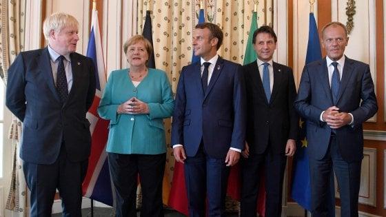 """G7, Macron: """"Faremo del nostro meglio"""". Johnson a Ue: """"Via il backstop o Brexit senza accordo"""""""